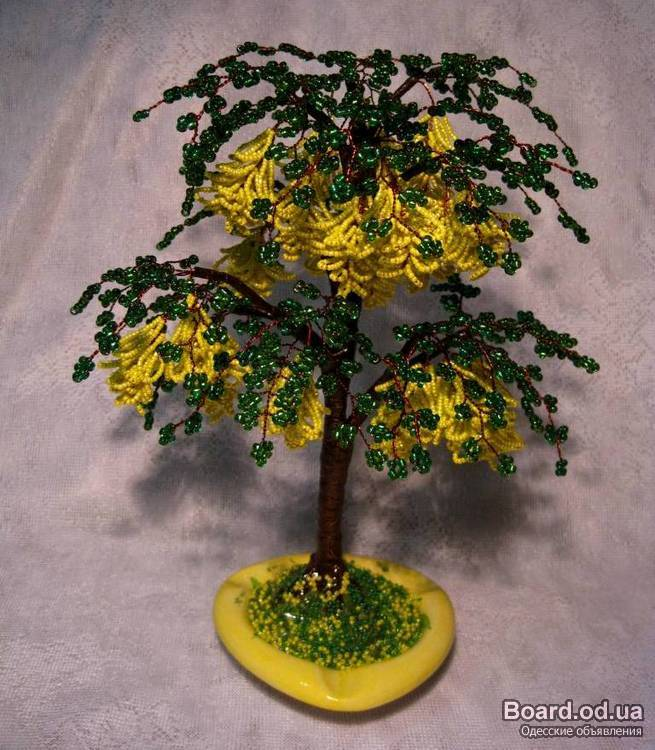 Дерево из бисера -Бобовник.