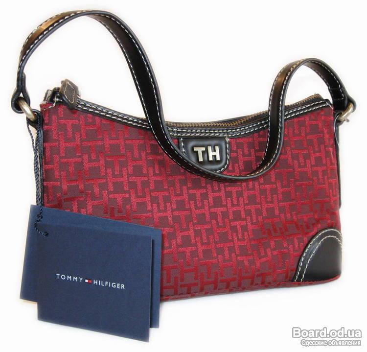 В папку сравнения.  Молодежная сумочка из текстиля от Tommy Hilfiger.